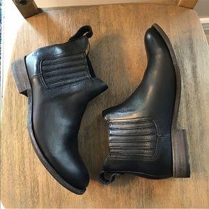 Frye Pippa Chelsea Boot